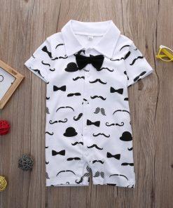 Mustache boxpakje met vlinderdasje – wit